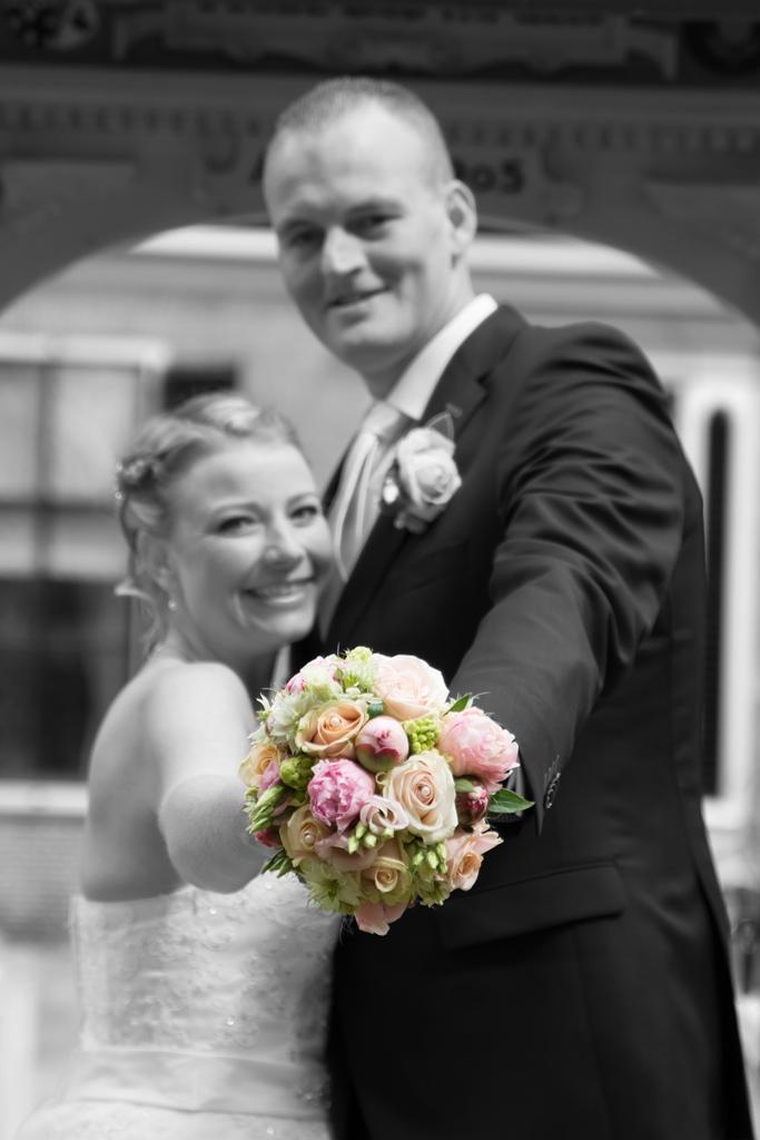 bruidspaar-zwart-wit-foto-friesland