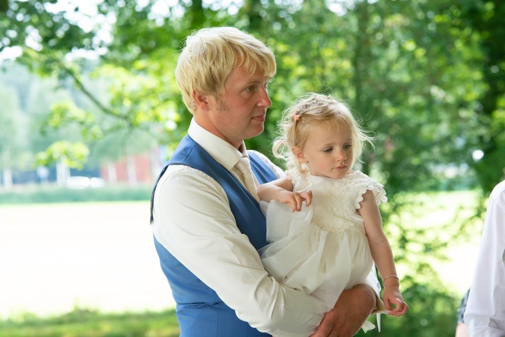 bruidegom-met-dochter-sneek
