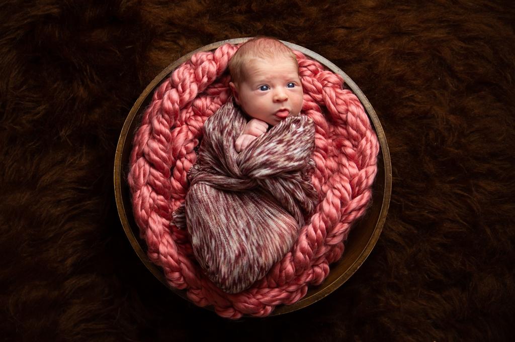 newborn-fotoshoot-in-mandje-02