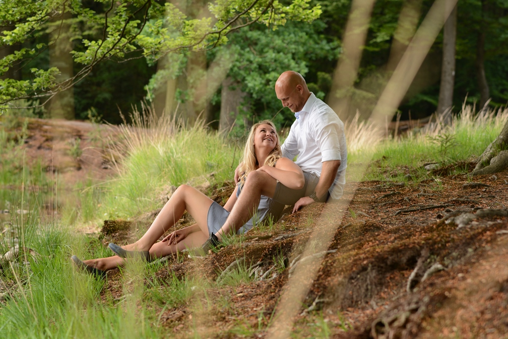 loveshoot-liggend-in-bos-fotonel